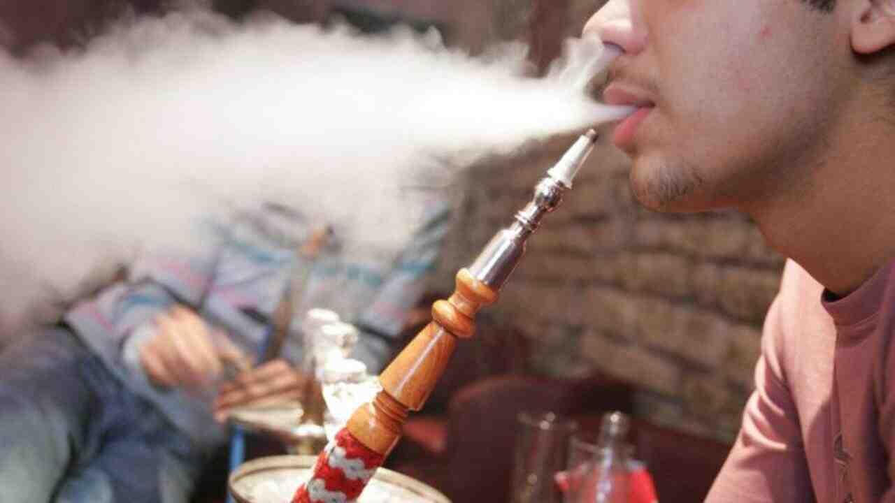 Quelle est la pire chose à propos de boire et de fumer?